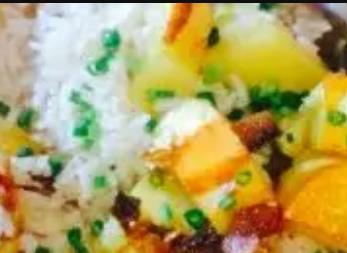 柴火洋芋饭:重庆黔江特色美食柴火洋芋饭,产地食品洋芋饭,产地宝